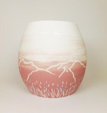 Porcelaine paysage montagne prairie vase rose